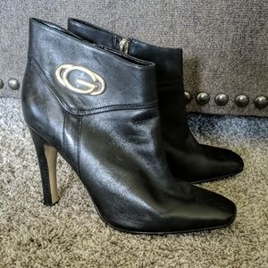 Ladies GUESS black leather heeled ankle boots 9.5